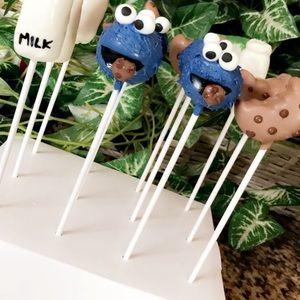 Cookie Monster organic CakePops